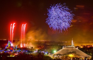 Magic-Kingdom-fireworks[1]