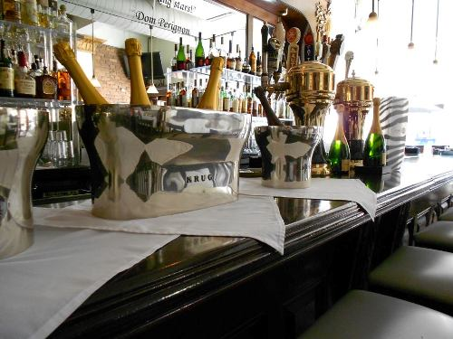 10 of the top champagne bars in the world. Black Bedroom Furniture Sets. Home Design Ideas