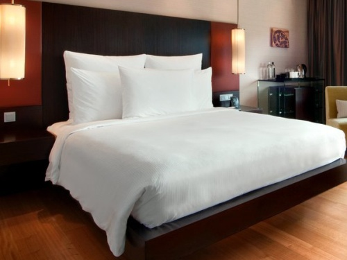 Hotel Luxury Bed Linens 500 x 375