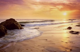 zuma-beach-california[1]
