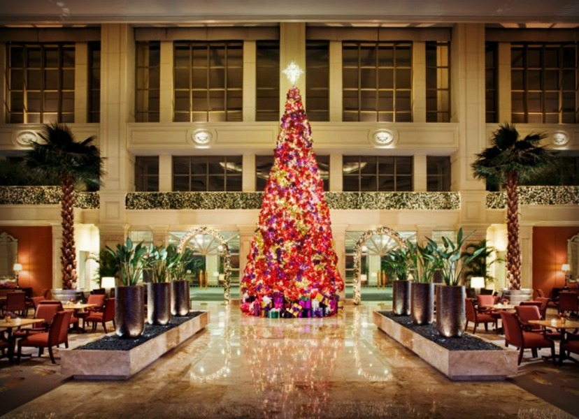 Christmas Decorations In Hotel Lobby : Photo essay sparkling hotel lobbies decked out for christmas