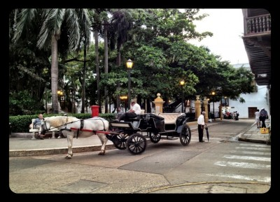 carriage 400x289 Discovering Colombia in the Neighborhoods of Cartagena