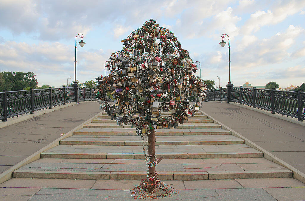 photo essay love padlocks and love locks love padlocks moscow