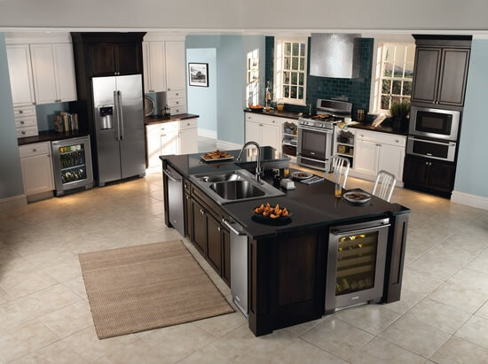 You Ve Seen This Look And Didn T Even Know It The Built In Look Is Simply Where The Kitchen Appliances All Look Like They Were Made Customized For Their