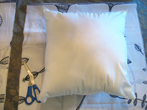 pillow beginning No Sew Simple: Home Décor Projects for People Afraid of Needle and Thread