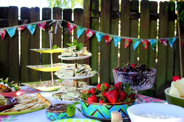 Under The Stars How To Host An Easy And Fabulous Outdoor
