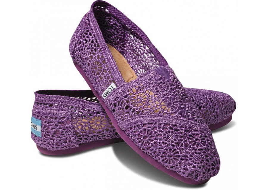 Toms Stitched from Head to Toe: Modern Day Crochet Trends