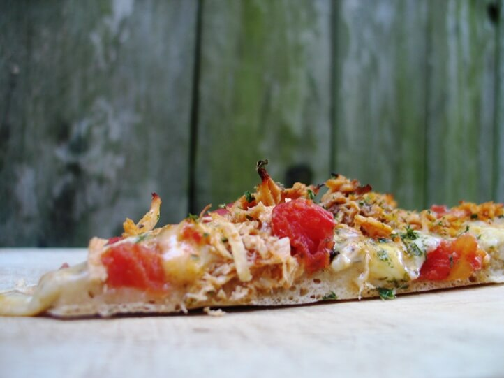 chicken bruschetta pizza