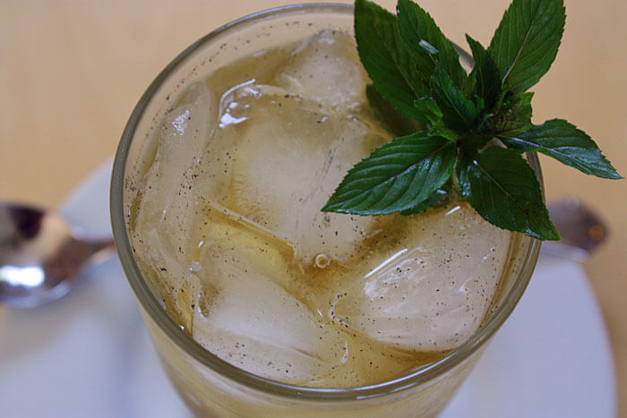 vanilla mint bourbon iced t Mint Condition Cocktail Favorites: Brighten Up Classic Cocktail Recipes with Fresh Mint for a Summer Sensation
