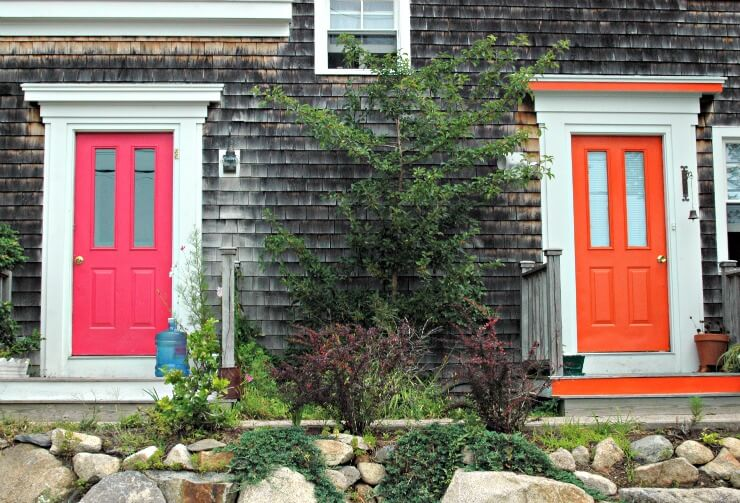 add a pop of color to your front door & First Impressions: 7 Ways to Upgrade Your Front Door
