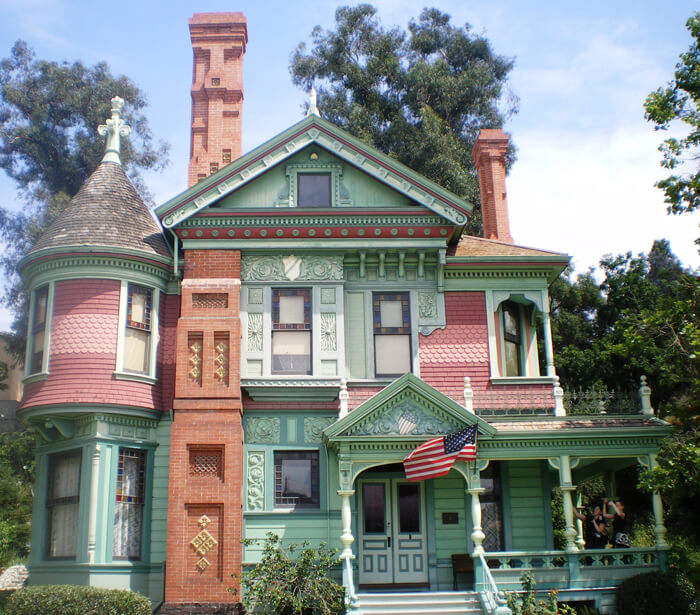 Google Street View Shows Ghostly Hands In Windows Of New York House 11363986706988 further A 1908 Craftsman With Gorgeous Woodwork For Sale In Pasadena besides Fachadas De Casas Estilo Victoriano besides Italianate 1850 1890 additionally On The Trail Of Wallis Simpson And Her Shanghai Surprises. on american queen anne style house