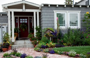 Plan a Beautiful, Bountiful, Edible Front Yard