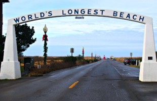 world's longest beach