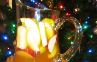 Sparkly Apple Ginger Sangria for Wintertime Bliss fi