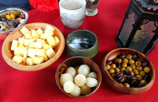 How to Throw a  Medieval Style Dinner Party onions