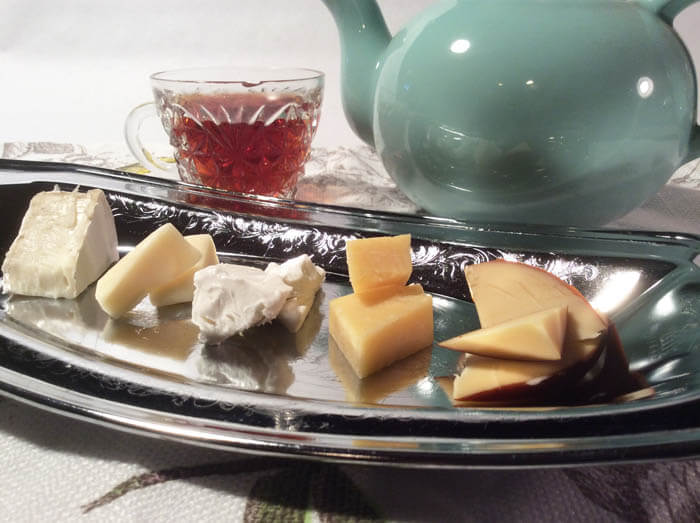 Tea and Cheese Pairings for Party Perfection