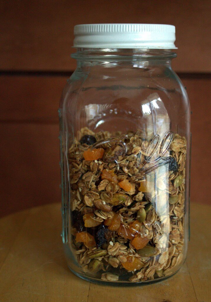 pistachio maple muesli
